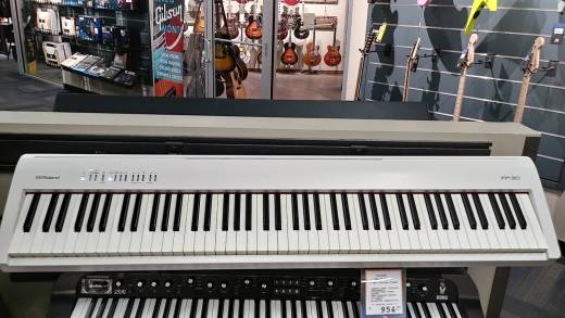 Store Special Product - ROLAND - DIGITAL PIANO (WHITE)